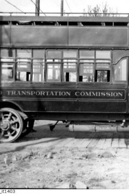 Old_TTC_bus,_City_of_Toronto_Archive,_series_71,_item_1403Reusable